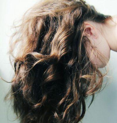 髪 広がり